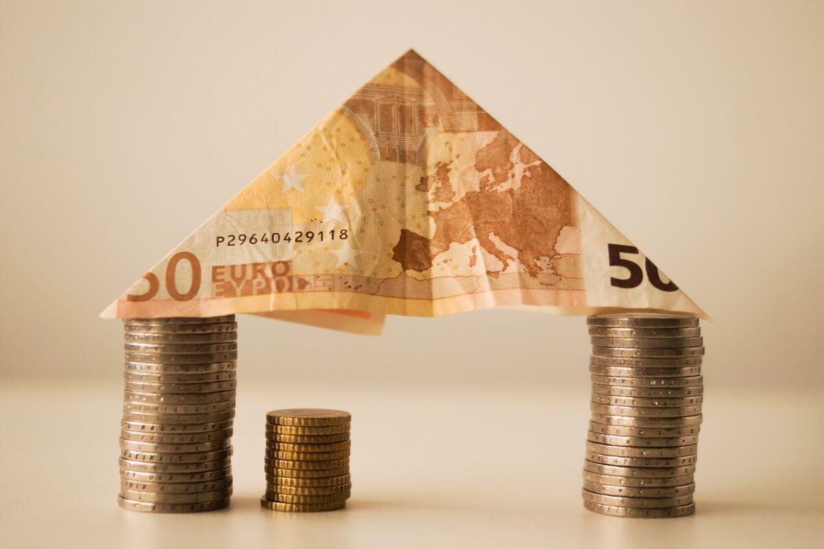Tenere soldi in casa_quali sono i rischi